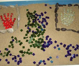 Sandplay Therapy Webinar – Stadiile procesului terapeutic si utilizarea formularului Weinrieb